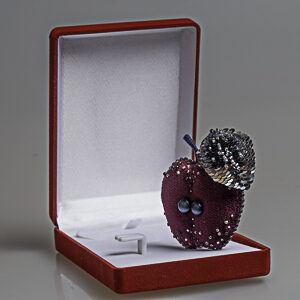 embroidery velvet apple brooch