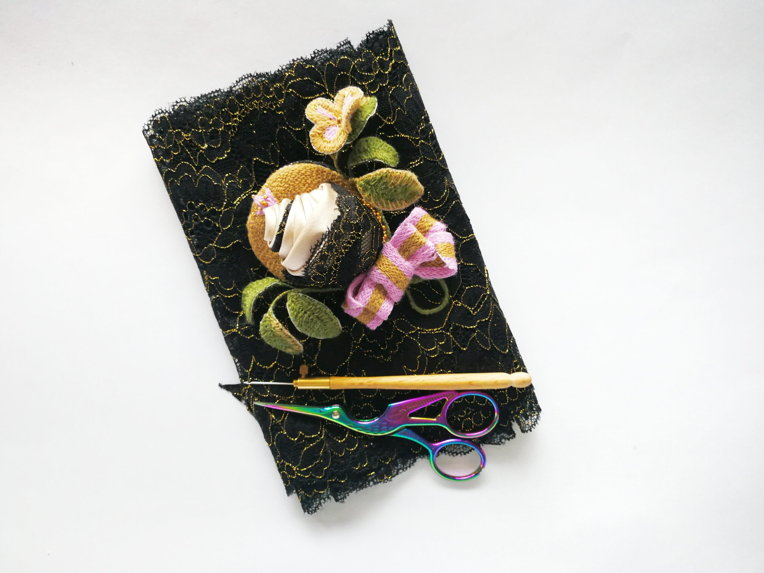 rose hand embroidery online class brooch